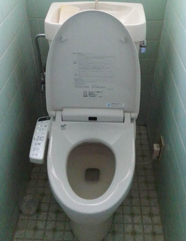 2-4 トイレ 便座 ⇒ ウォシュレット