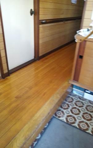 3-2 廊下上張り 廊下板張り⇒フローリング 施工前