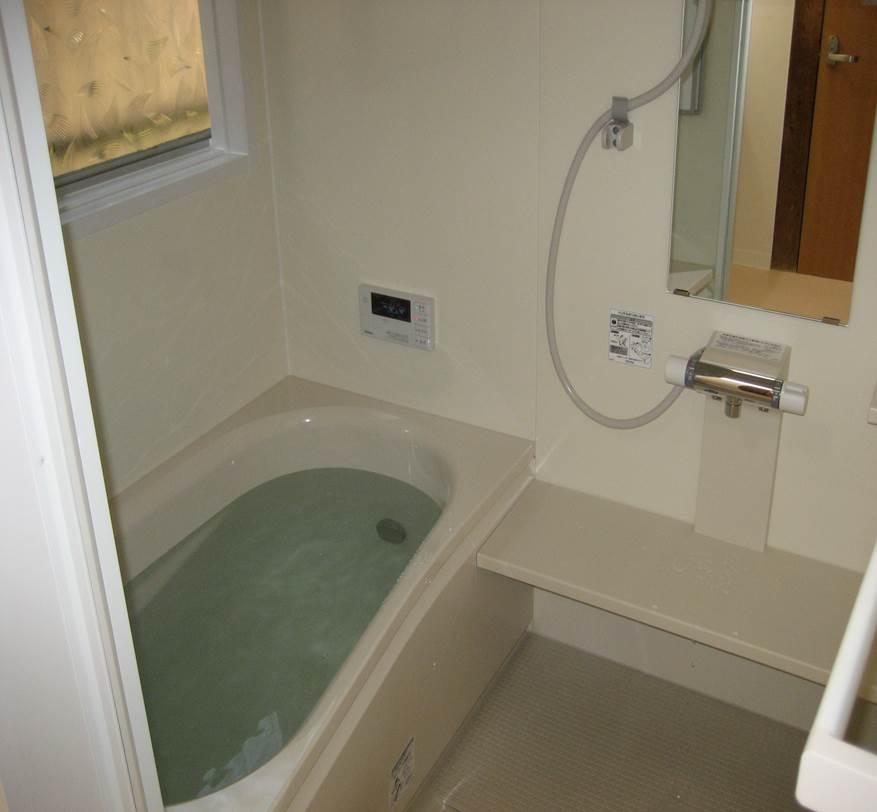 4-8 浴室 タイル風呂 ⇒ ユニットバス